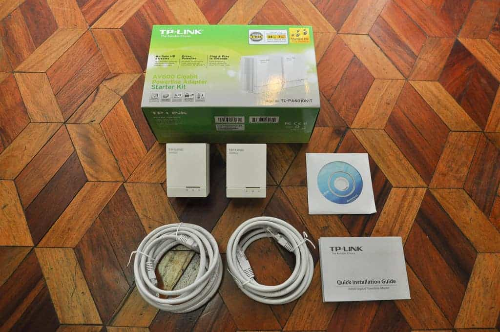A generic Powerline networking kit.